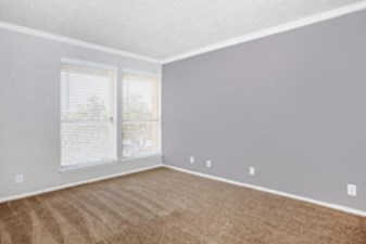 Bedroom at Listing #141000