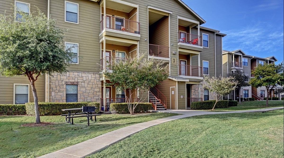 Exterior at Listing #144755
