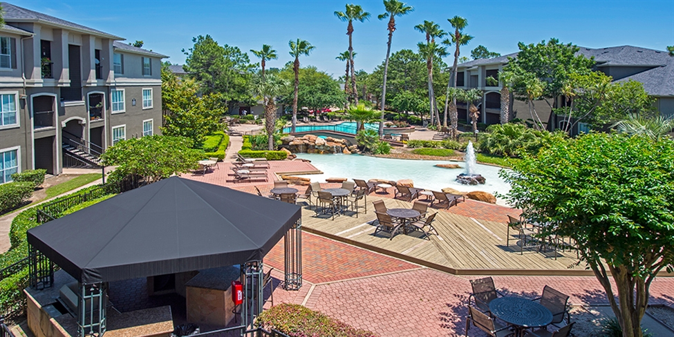 Pool at Listing #138829