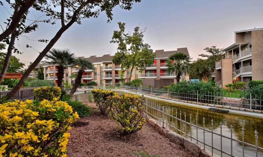 Oasis at Oakwell Apartments