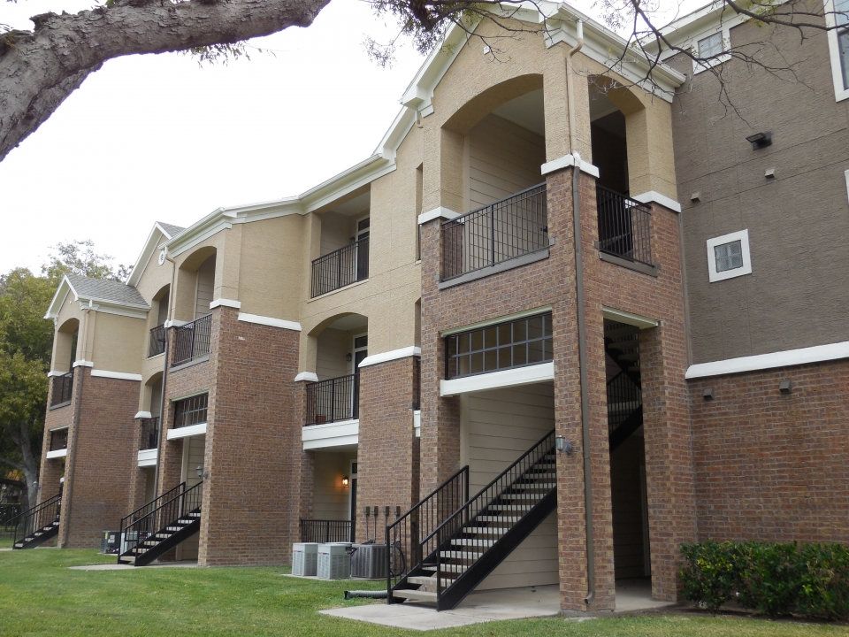 Overton Trails Apartments Fort Worth TX