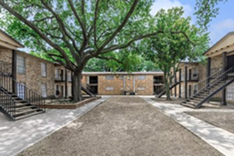 Courtyard at Listing #139598