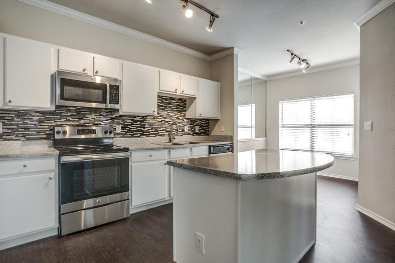 Kitchen at Listing #138012