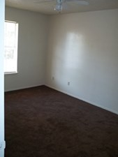 Bedroom at Listing #136352