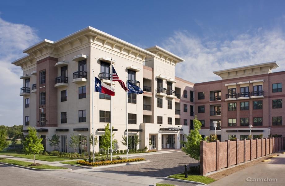 Camden Travis Street Apartments Houston, TX