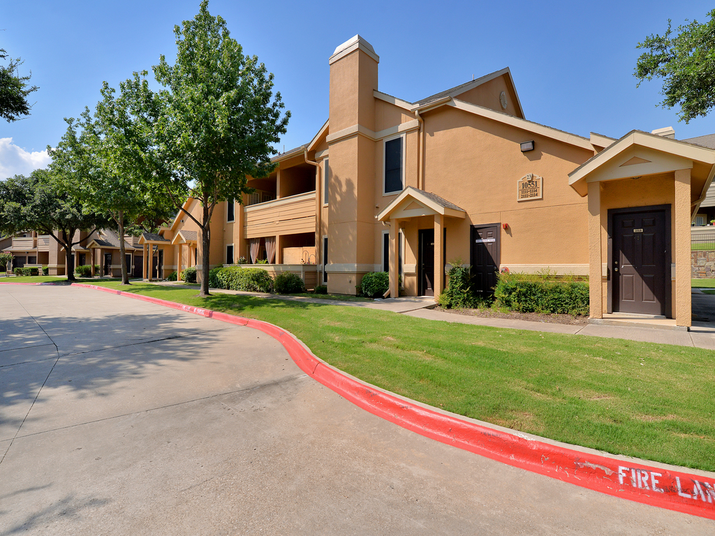 Exterior at Listing #137570