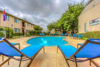 Pool at Listing #136978