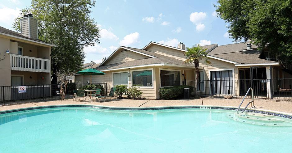 Pool at Listing #138520