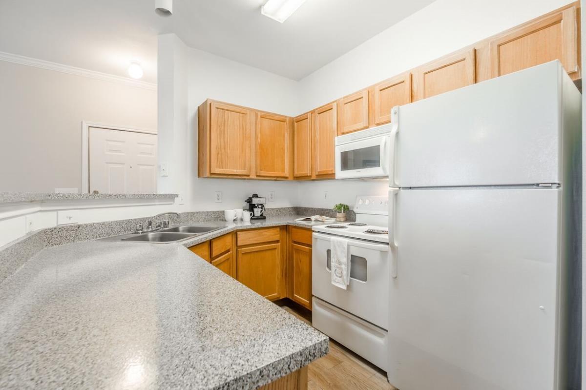 Kitchen at Listing #138116