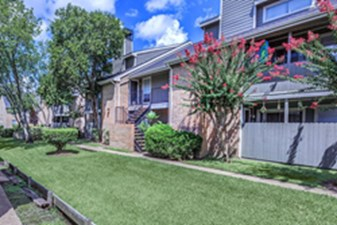 Exterior at Listing #139145