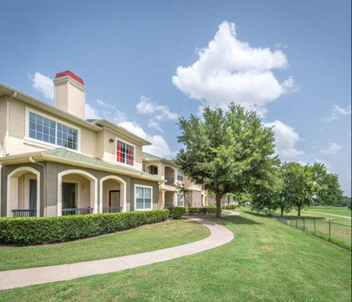 Legends at Ridgeview Ranch Plano - $858+ for 1, 2 & 3 Beds on