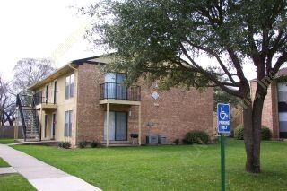 Exterior at Listing #136635