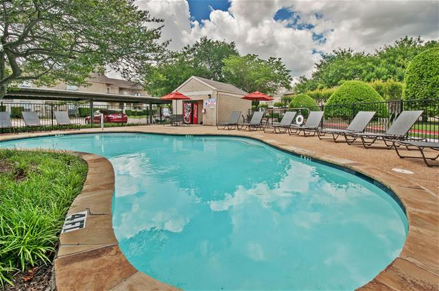 Pool at Listing #136519