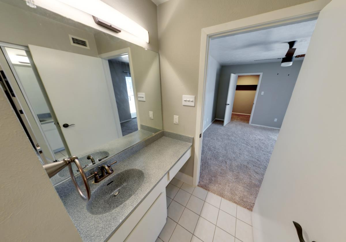 Master Bath 3x2 townhome at Listing #137550