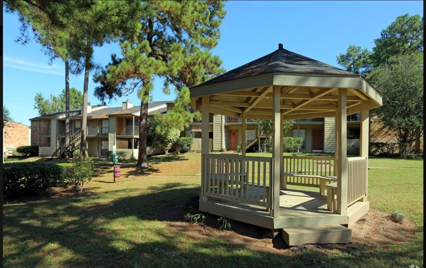 Timbers of Pine Hollow Apartments