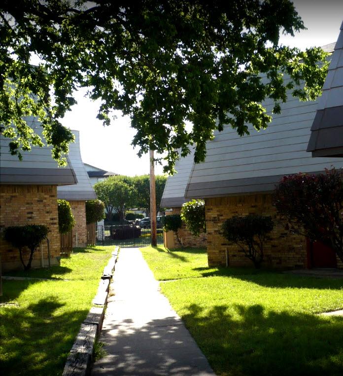 Las Lomas Apartments Dallas, TX