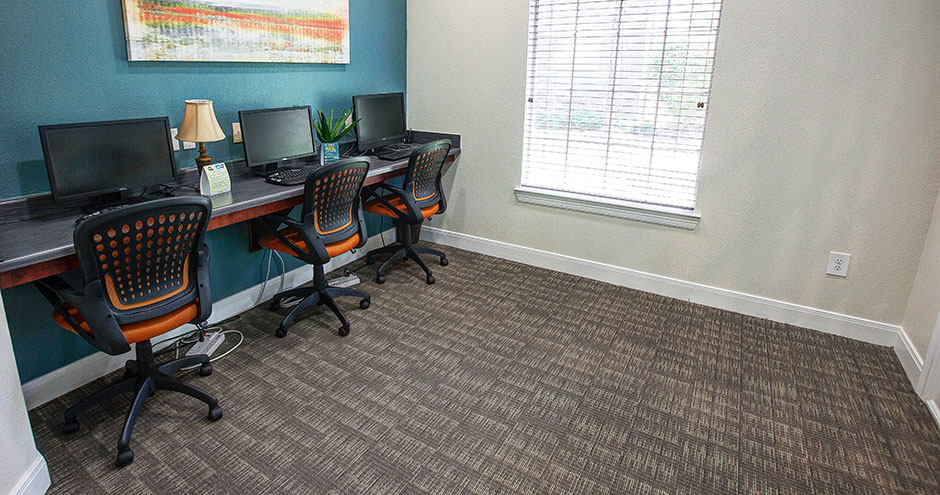Business Center at Listing #147508