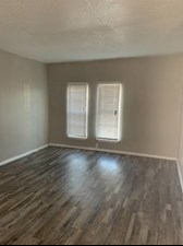Bedroom at Listing #137371