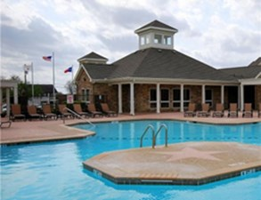Pool at Listing #144578