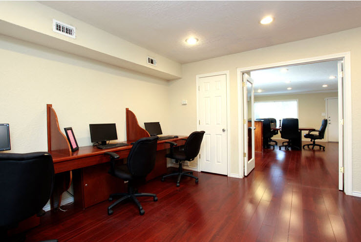Business Center at Listing #138948