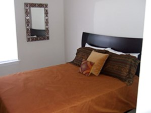 Bedroom at Listing #139289