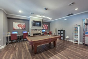 Gameroom at Listing #139318