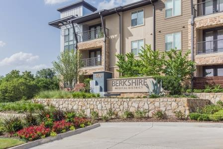 Berkshire Medical District Apartments Dallas TX