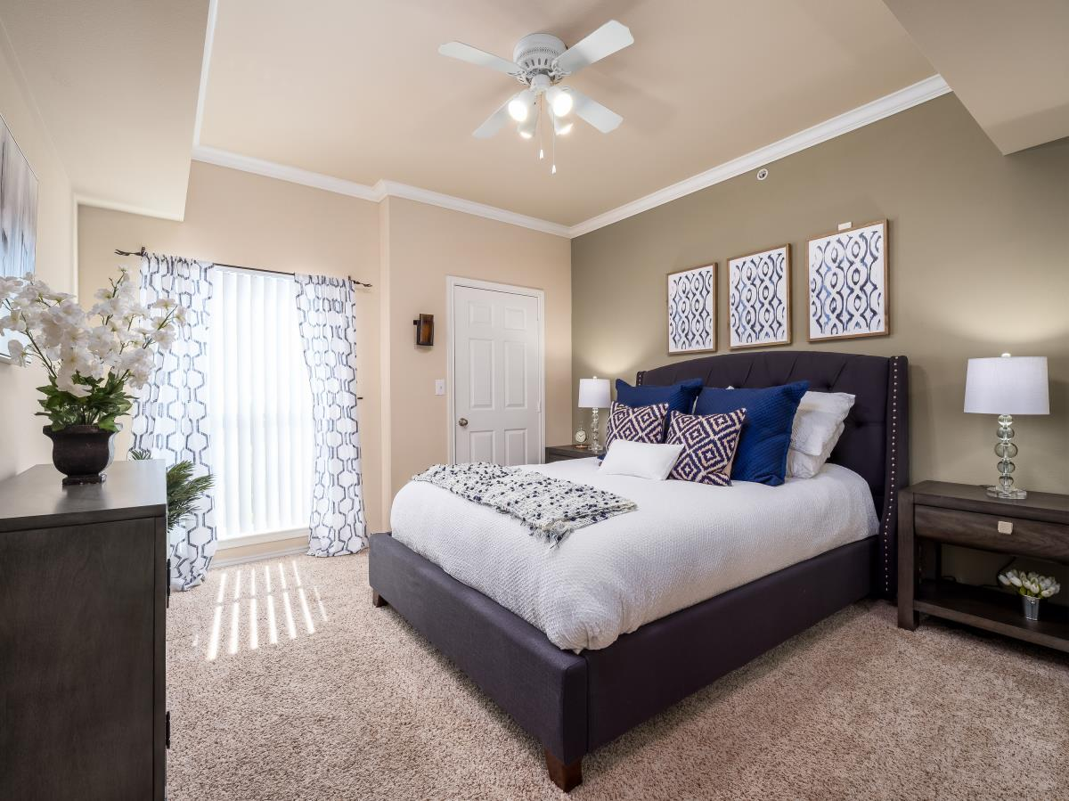 Bedroom at Listing #144699