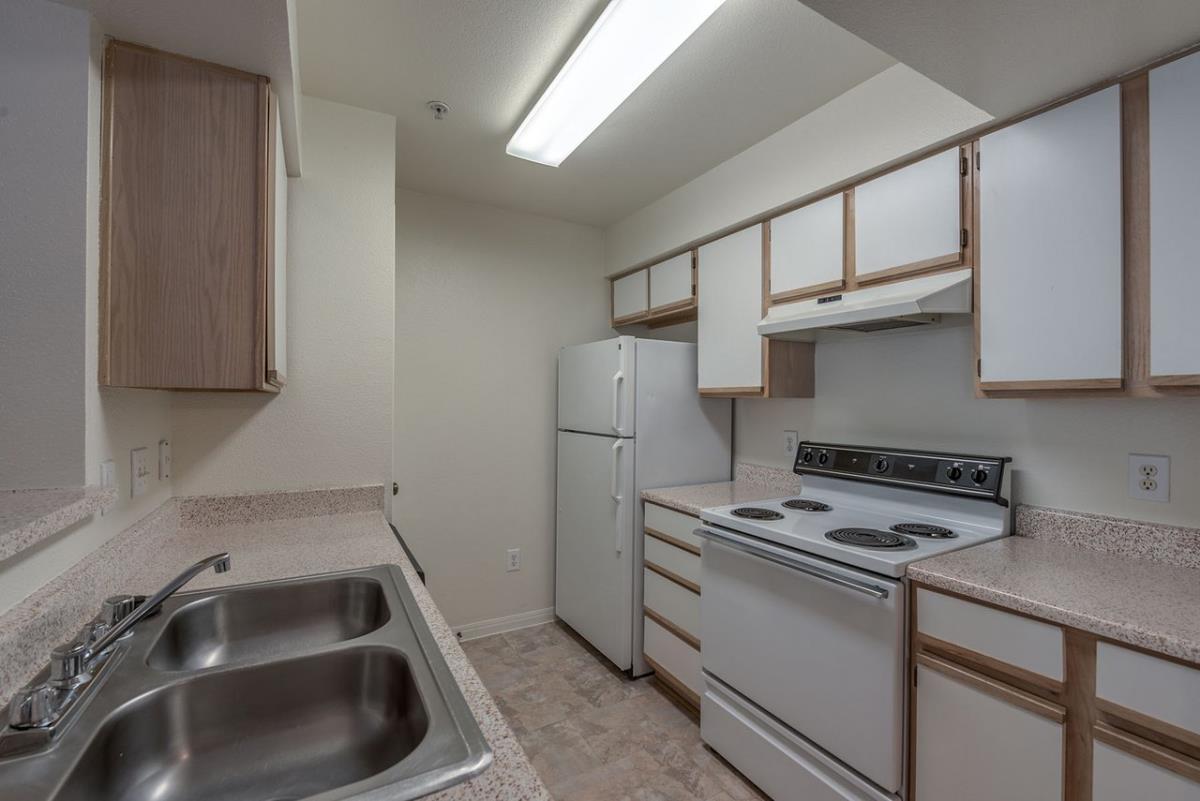 Kitchen at Listing #139318