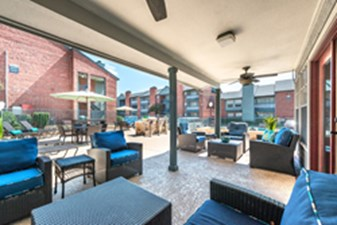 Lounge at Listing #136331