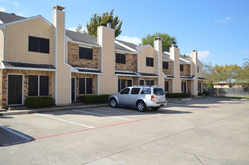 Highland Oaks Apartments
