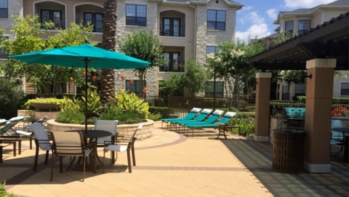 Lounge at Listing #146831