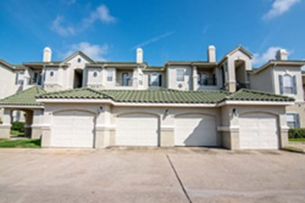 Exterior at Listing #138673