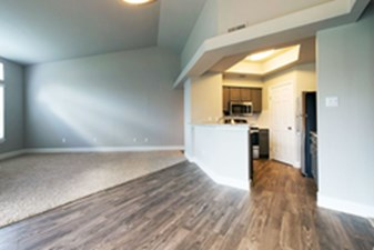 Living/Kitchen at Listing #141028