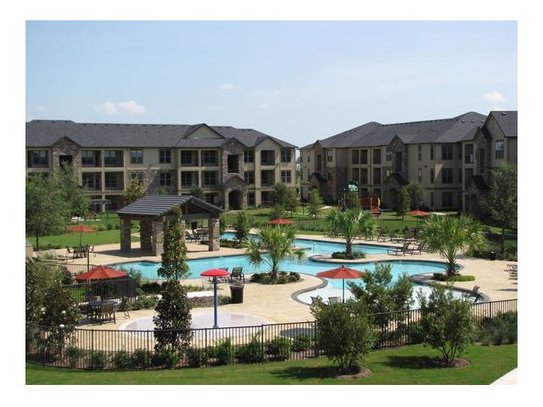 Discovery at Shadow Creek Ranch Apartments Pearland TX