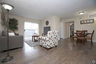 Living at Listing #139256
