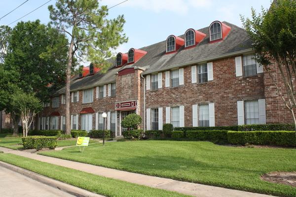 La Fontaine Apartments Houston TX