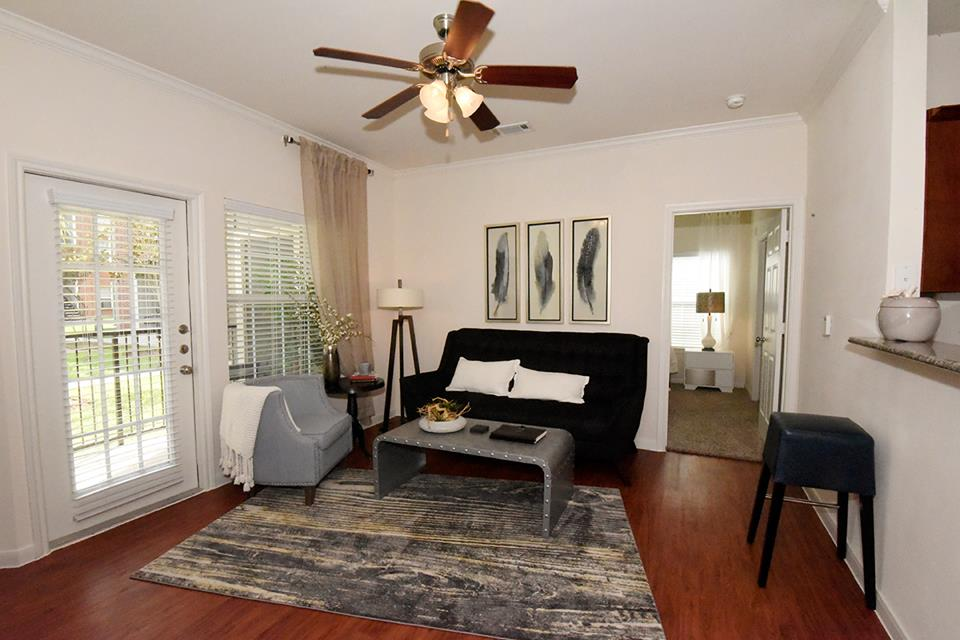 Living at Listing #152831