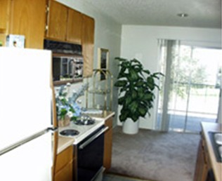 Dining at Listing #137142