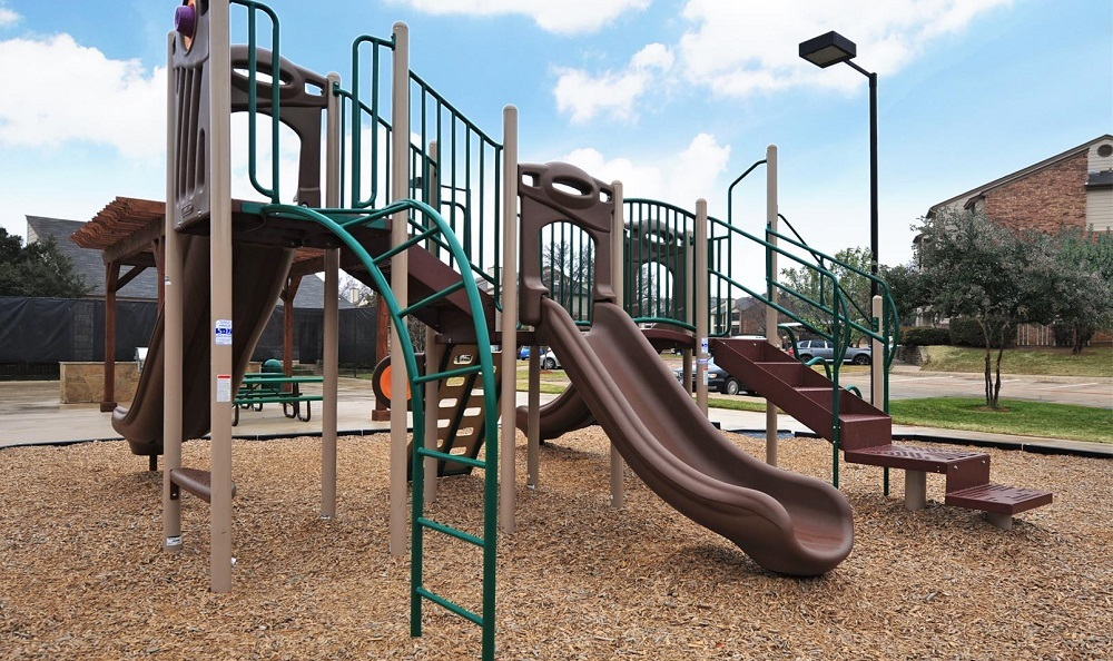 Playground at Listing #135690