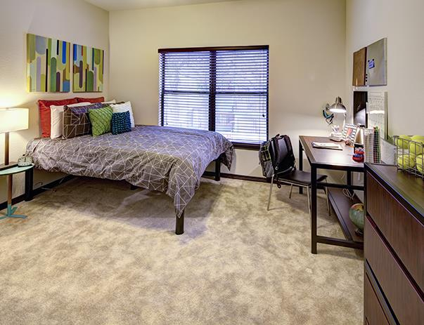 Bedroom at Listing #239555