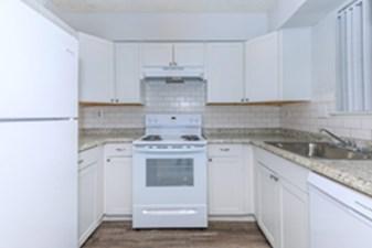 Kitchen at Listing #139598