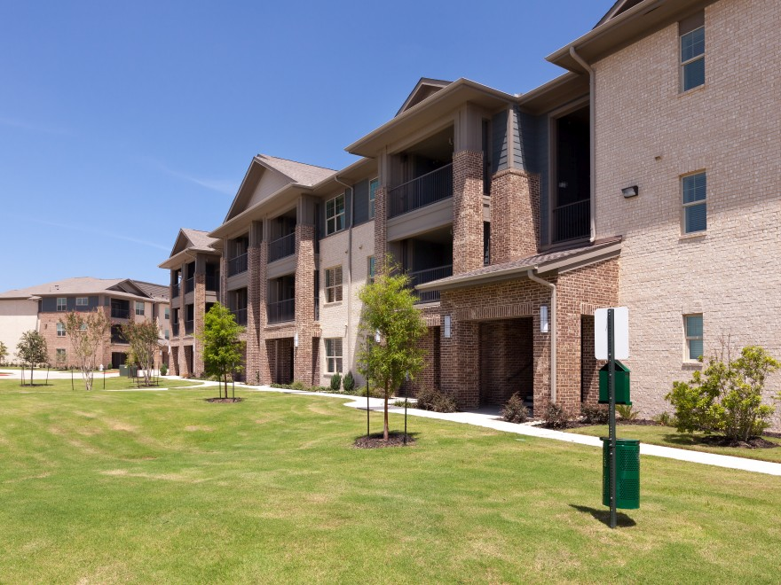 Exterior at Listing #258365
