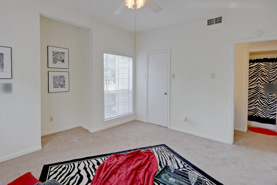 Bedroom at Listing #138807