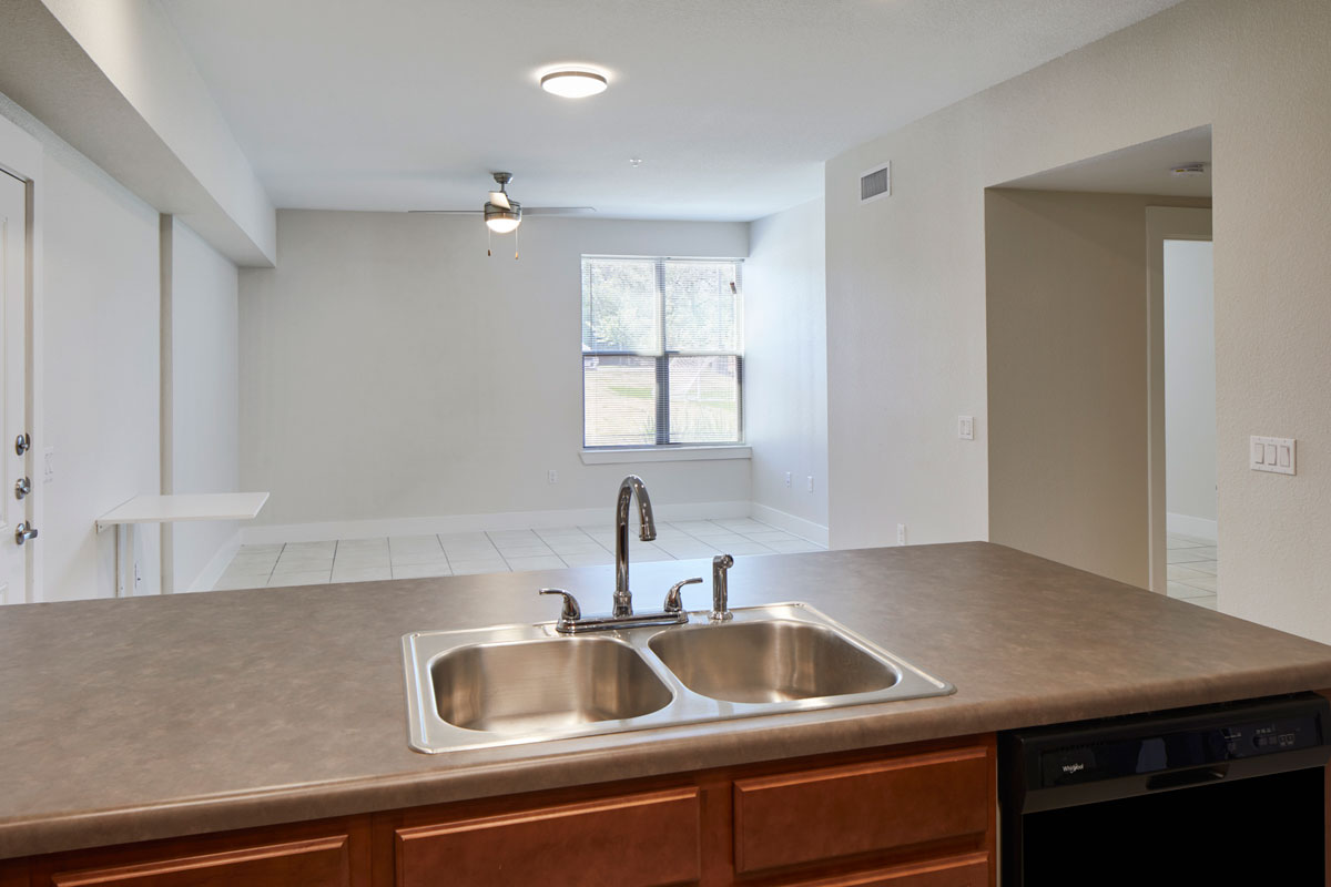 Living/Kitchen at Listing #276941