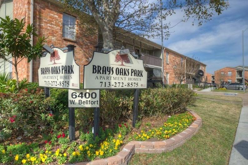 Brays Oaks Park Apartments