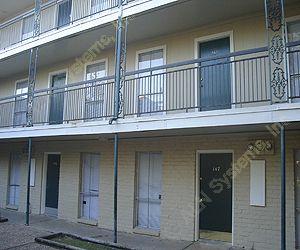 La Plaza Apartments , TX