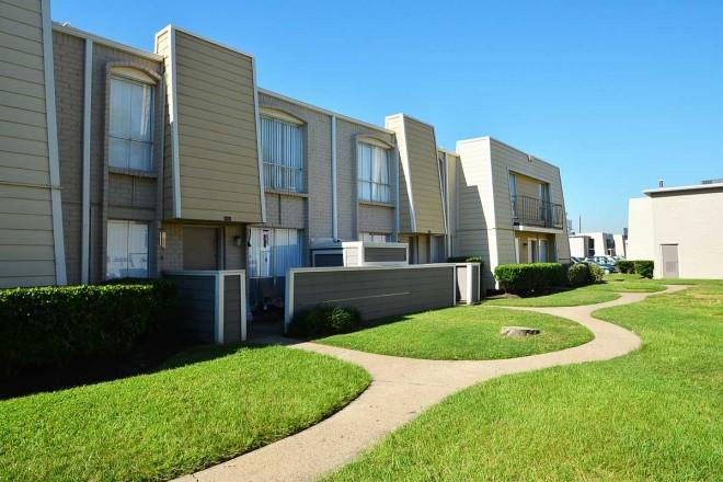 Pines at Humble Park Apartments Humble TX