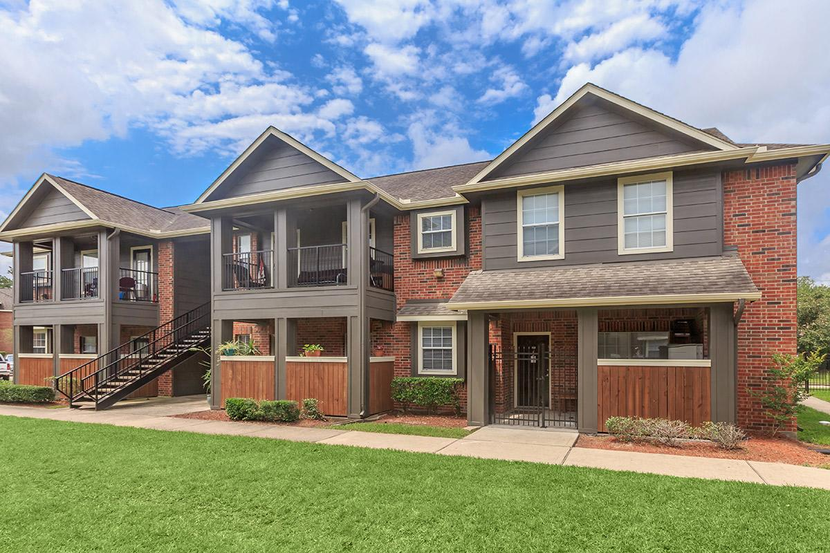 Exterior at Listing #280678