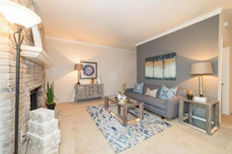 Living at Listing #140590